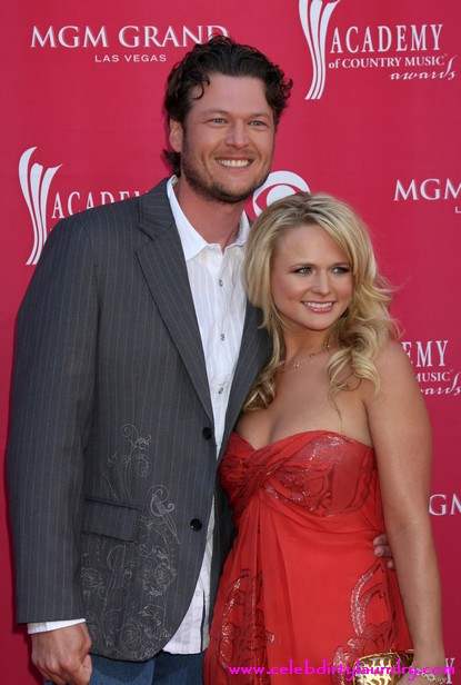 County Stars Blake Shelton & Miranda Lambert Got Married!
