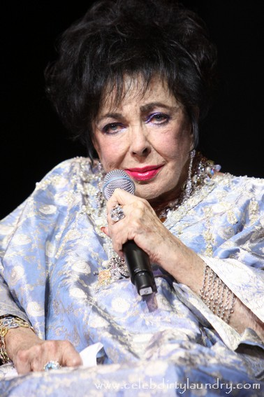 Elizabeth Taylor In Hospital Suffering From Heart Failure