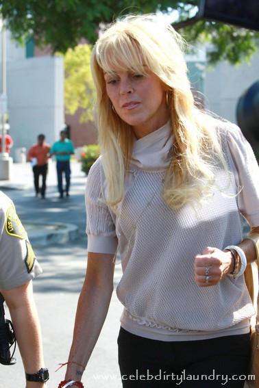 Lindsay Lohan's Mom Dina Lohan To Star On Radio