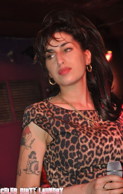 Amy Winehouse Had To Pay Cash For Love From Blake Fielder-Civl