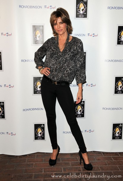 Lisa Rinna Likely To Replace Regis Philbin On 'Live with Regis and Kelly'