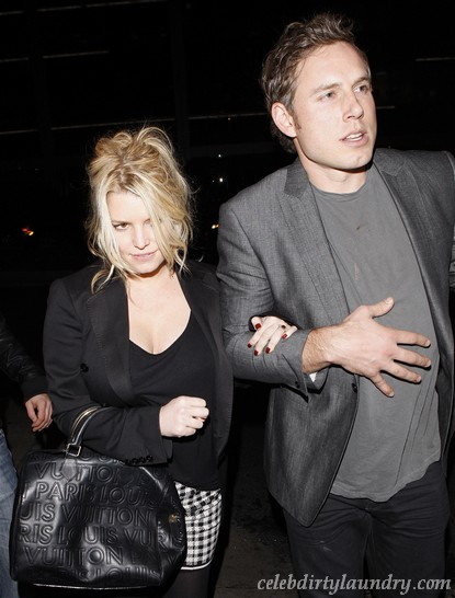 How Jessica Simpson Addresses Pregnancy Rumors