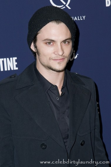 Shiloh Fernandez Glad He Did Not Get Robert Pattinson's 'Twilight' Role