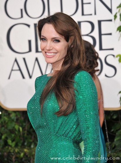 Angelina Jolie's Beauty Slips - Plans Cosmetic Surgery Binge To Regain Top Spot