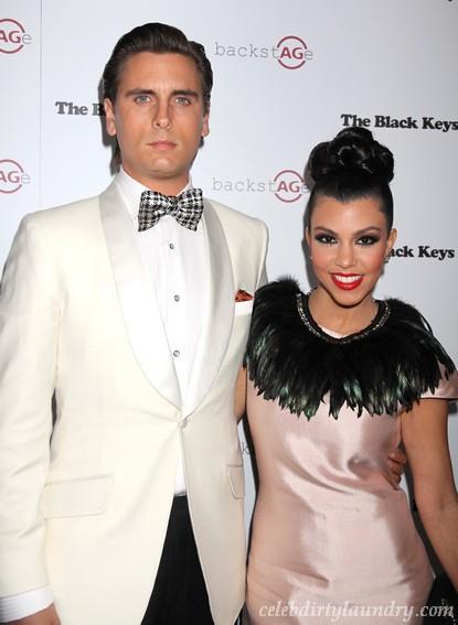 Kourtney Kardashian & Scott Disick Have Sex In Public