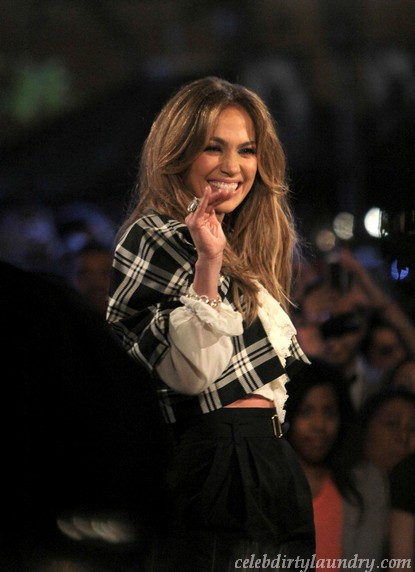 Jennifer Lopez Wants $20 Million To Stay On American Idol?