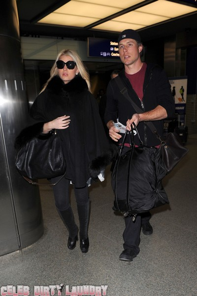 Jessica Simpson Calls Off Her Wedding?