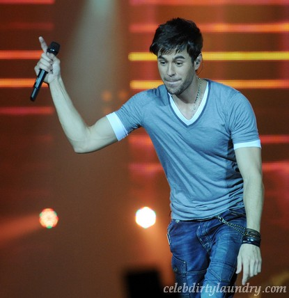 Enrique Iglesias Explains Britney Spears Tour Bail Out