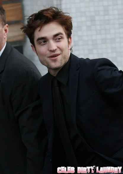 Robert Pattinson & Kristen Stewart Hate Their Long Distance Relationship