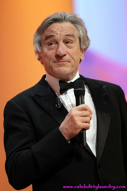 Robert De Niro Considering To Develop & Star In Bernie Madoff Movie