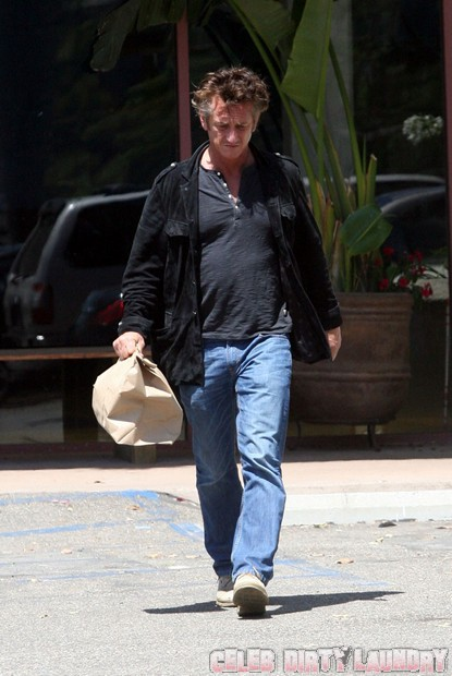 Why Sean Penn & Scarlett Johannson Broke Up