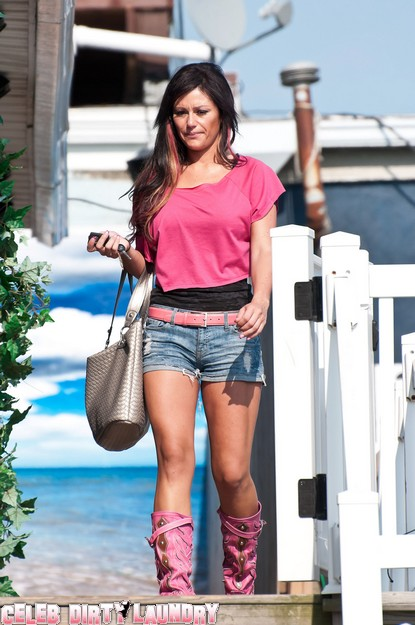 Latest Jersey Shore JWoww Gossip - No Romance With Ronnie