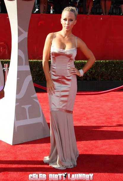Kendra Wilkinson Calls Crystal Harris 'Trash'