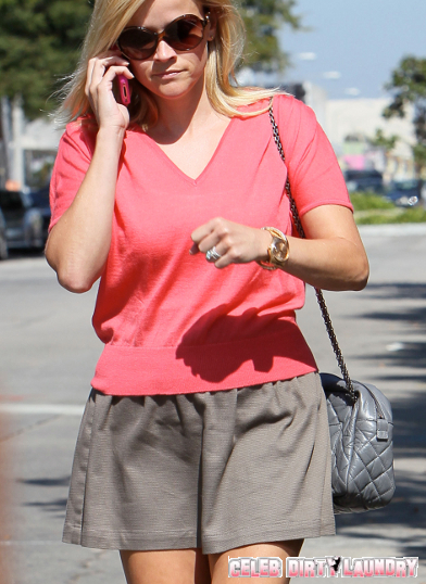 Reese Witherspoon Bows To PETA Pressure--Drops Her Skinned-Alive-Python Purse