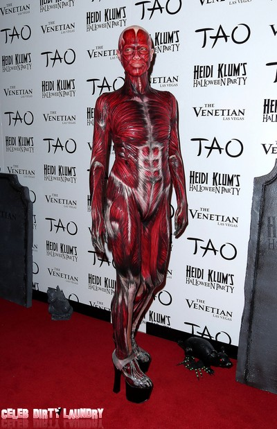 Heidi Klum's Creepy 'Dead Body' Halloween Costume (Photos)