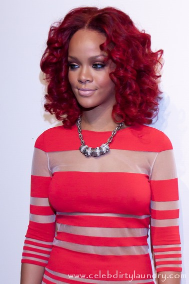 Rihanna Could Miss Her Grammy's Act With Eminem Due To Illness