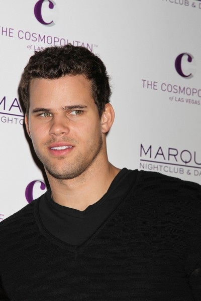 Kris Humphries Not Suing Kim Kardashian, He Still Loves Her!
