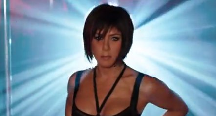 Jennifer Aniston Shows Her Sexiness, Strips Down In 'We're The Millers' Trailer (VIDEO)