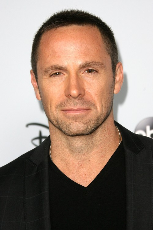 General Hospital Spoilers: Breaking News - Julian Officially Staying on GH – William deVry Signs Last-Minute Contract