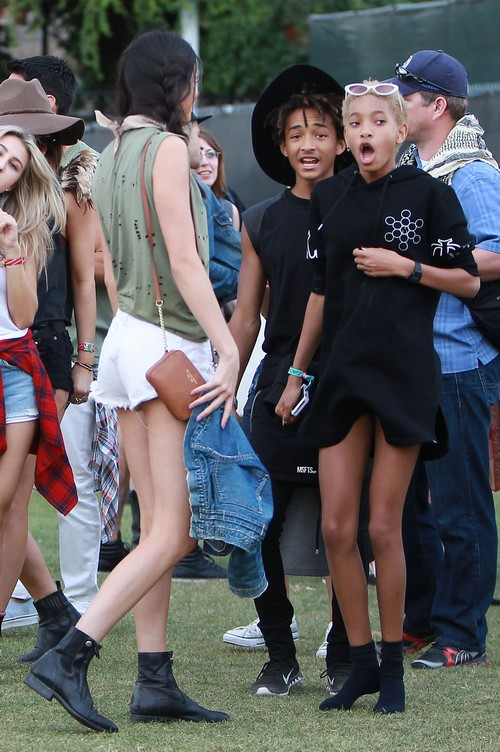 Willow Smith (13) In Bed With Nearly Naked Man Moises Arias (20) - Jada Pinkett-Smith, Grow a Brain (PHOTO)