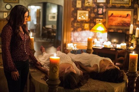 """Witches Of East End Spoilers - Freya And Ingrid's Fates Revealed: Season 2 Episode 10 """"The Fall Of The House Of Beauchamp"""""""