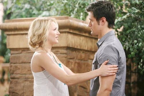 The Young and the Restless Spoilers: Summer and Paul's Shooter Austin Get Married - Furious Jack Sees Wedding Ring!