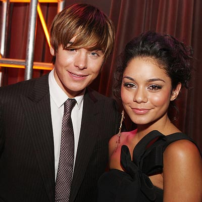 Zac Efron Pressured To Get Engaged To Vanessa Hudgens?