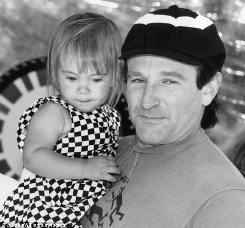Robin William's Daughter Zelda Rae Reacts to Father's Suicide Death on Twitter