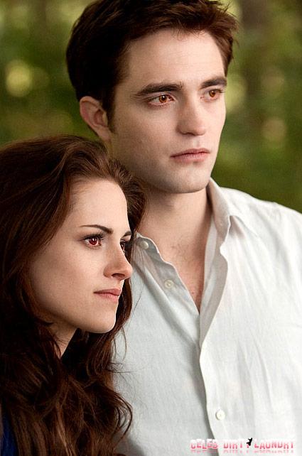 Kristen Stewart Looks Positively Vampiric In New 'Breaking Dawn Part 2' Stills (Photos)