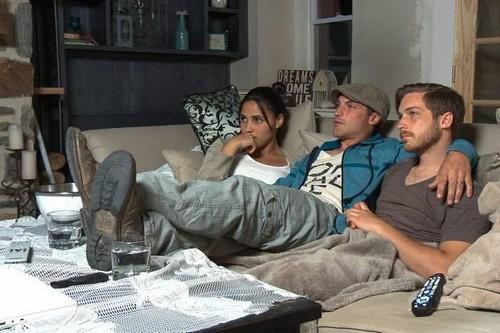 "90 Day Fiance Recap 11/23/14: Season 2 Episode 6 ""Fears, Family, Future"""