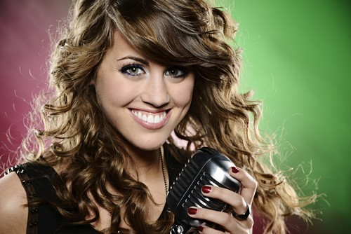 """Angie Miller American Idol """"Anyone Who Had A Heart"""" Video 4/10/13"""