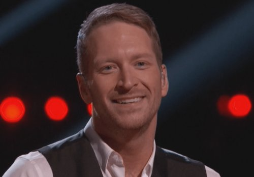 WATCH Barrett Baber Perform 'Silent Night' on The Voice Top 4 Finals Video 12/14/15