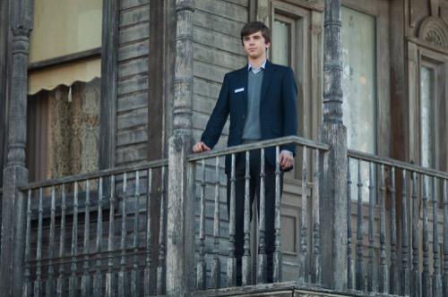 "Bates Motel Premiere Recap 2/20/17: Season 5 Episode 1 ""Dark Paradise"""