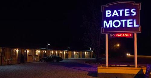 "Bates Motel Premiere Recap 3/9/15: Season 3 Episode 1 ""A Death in the Family"""