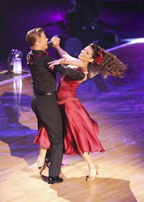 Bethany Mota & Derek Hough Dancing With the Stars 'Perfect Score' - 'Singing in the Rain' Jazz Video Season 19 Week 3