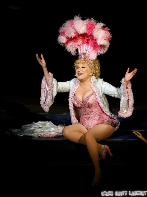 Bette Midler Hits Out At Ariana Grande - Cites Whore-Like Behavior