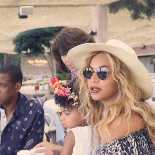 Beyoncé And Jay Z Explosive Fights Reveal Crumbling Marriage – Living On Opposites End of Brand New Mansion?
