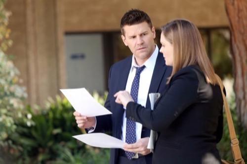 "Bones Recap - Mini Golf Murder: Season 10 Episode 14 ""The Putter in the Rough"""