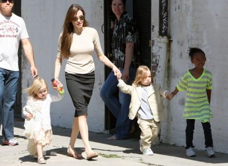 Brad Pitt Buying Angelina Jolie Sex Tape For $10 Million 1228