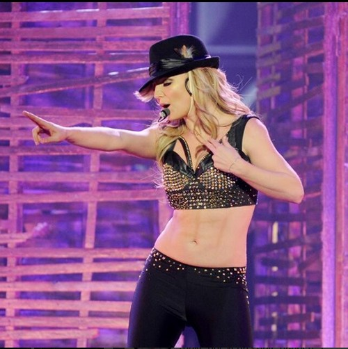 Britney Spear's Las Vegas Show May Be A Hit! (VIDEO)
