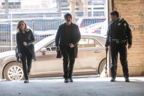 """Chicago PD Recap 4/8/15: Season 2 Episode 20 """"The Three Gs"""""""