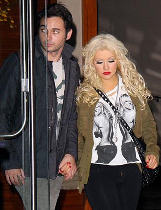 Does Christina Aguilera Have A Boyfriend?