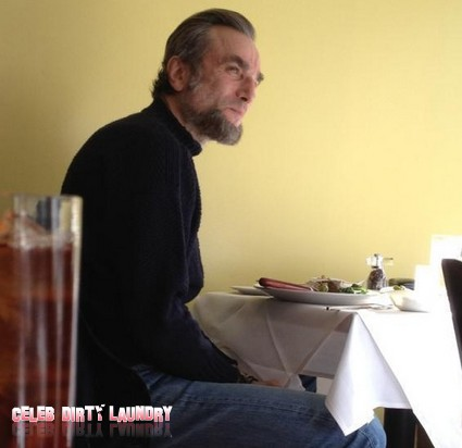 Daniel Day-Lewis Takes On The Part Of Abraham Lincoln (Photo)