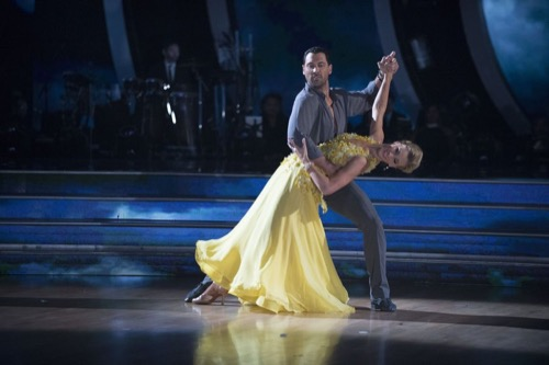 Heather Morris Dancing With The Stars Jive Video Season 24 Episode 2 – 3/27/17 #DWTS