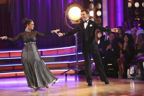 Leah Remini Dancing With the Stars Samba Video 9/23/13