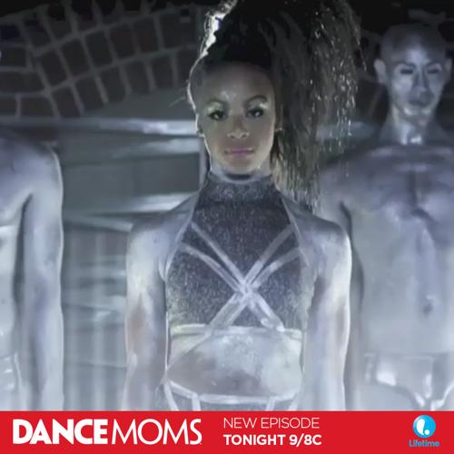 "Dance Moms Recap - Nia's Video Premiere: Season 5 Episode 17 ""Showdown in Pittsburgh, Part 1"""