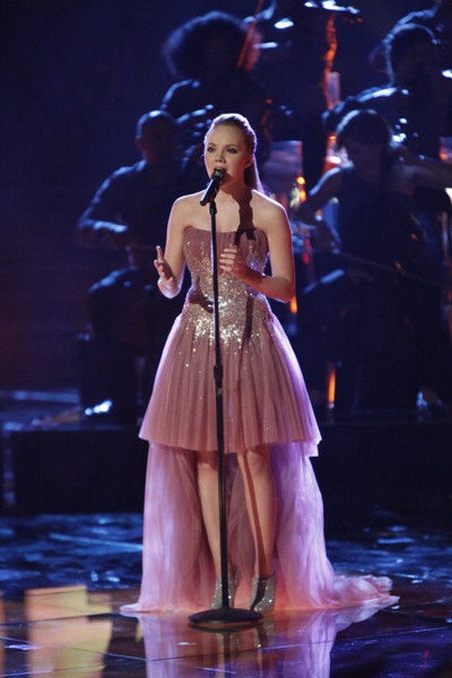 "Danielle Bradbery The Voice Semifinals ""Who I Am"" Video 6/10/13"