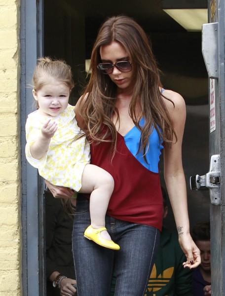 Victoria Beckham Desperate For Kim Kardashian's Body, Hires Her Trainer 0417