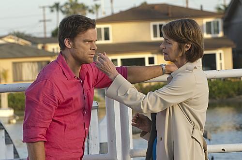 "Dexter Season 8 Episode 8 REVIEW ""The Brain Surgeon Is Back"""