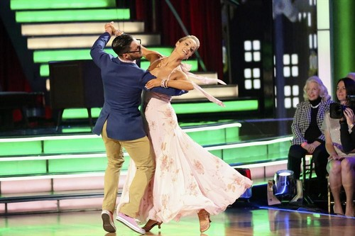 Elizabeth Berkley Dancing With the Stars Jazz Video 11/4/13